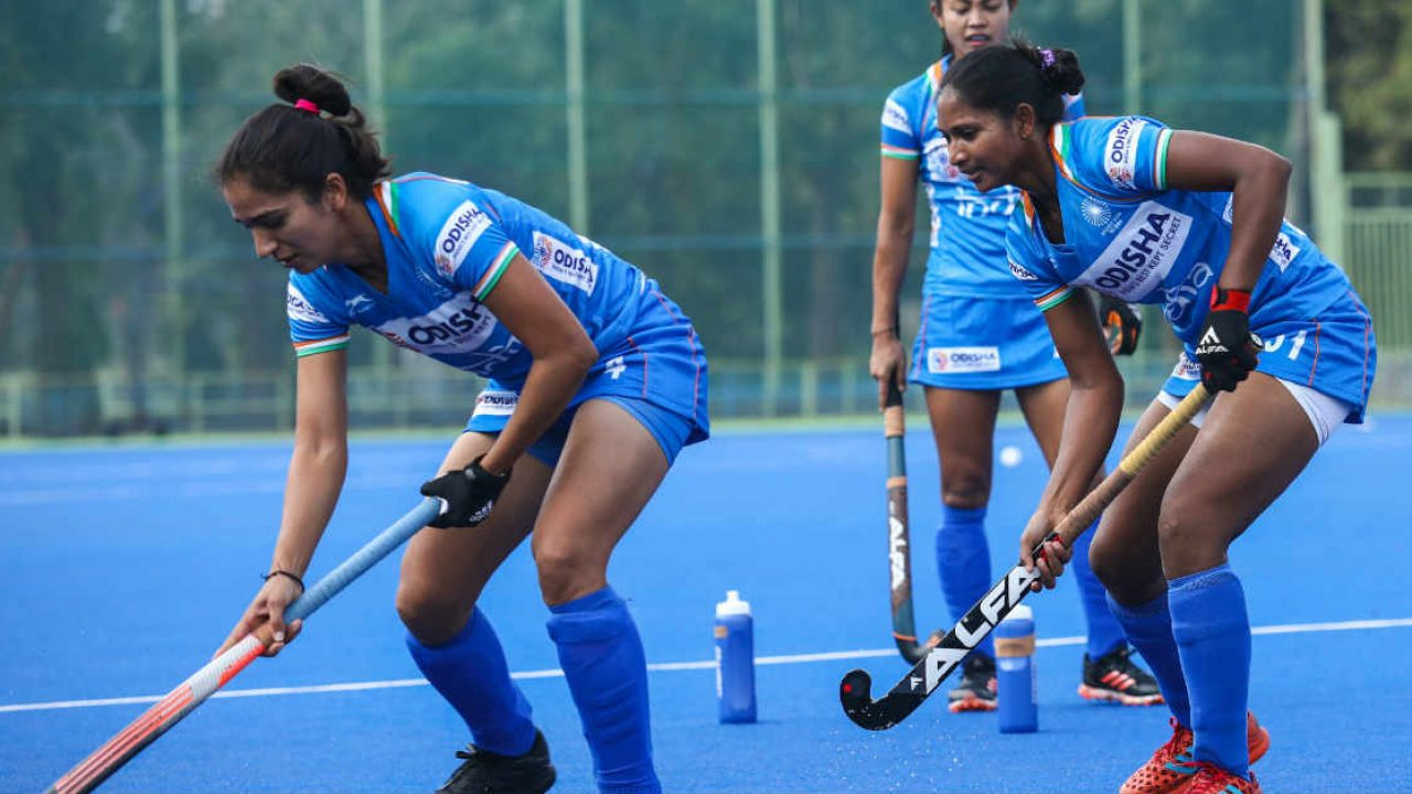 India-women-hockey-players